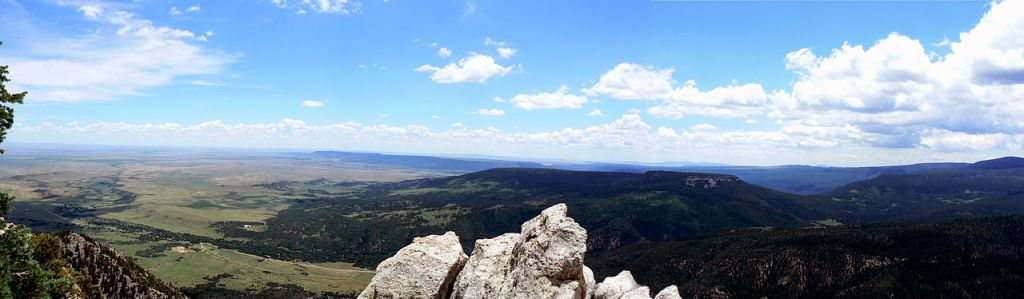 Philmont_Scout_Ranch_Tooth_of_Time_panoramic_view