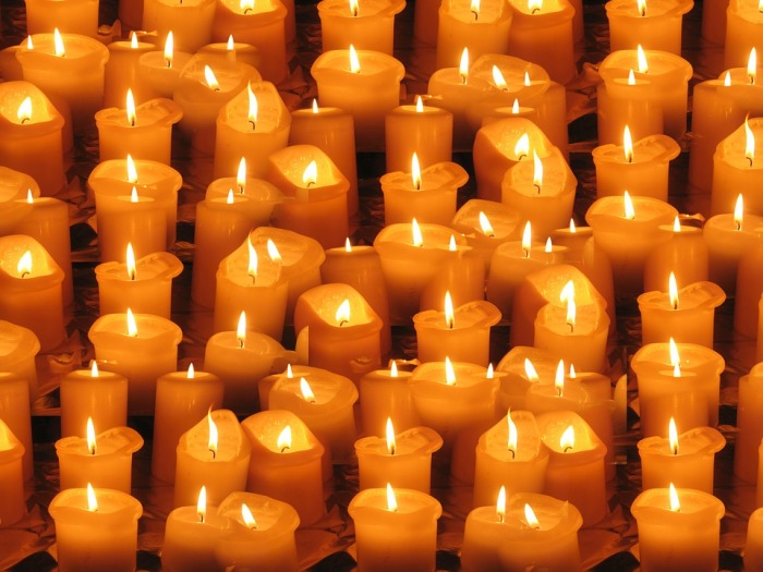candles-64177_960_720