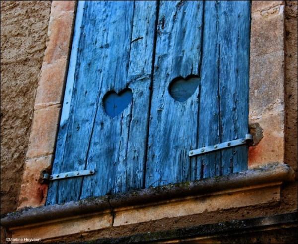 Mar blue shutters 11:23